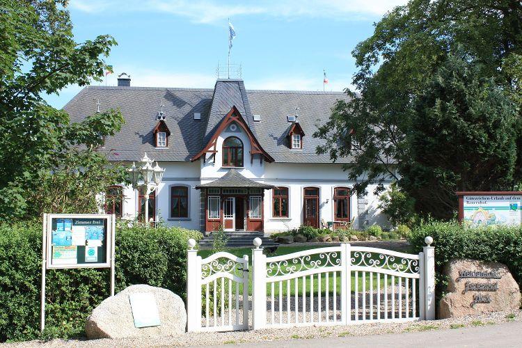 Haupthaus Vorderansicht Ostsee Ferienhof